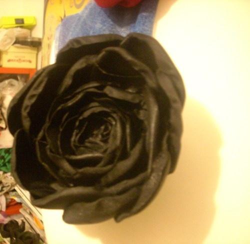 Rosa nera per capelli *raso lucido* -Black Rose Hair * satin *