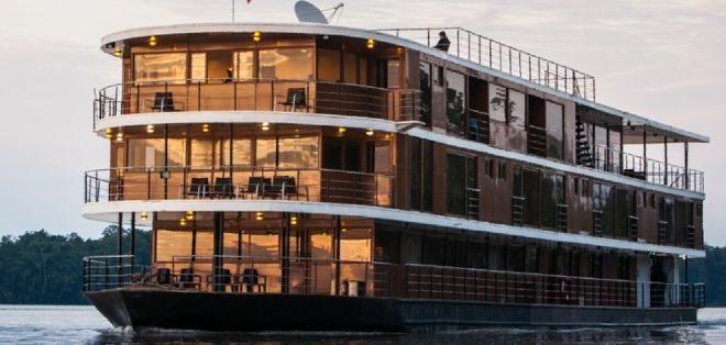 Recorra la Amazonía ecuatoriana sobre un barco-hotel 5 estrellas ...