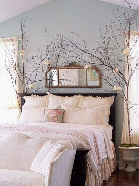 If you are a romantic person, this is probably apparenton your house decoration too. Here are some ideas to get inspiration on a romantic bedroom decoration.