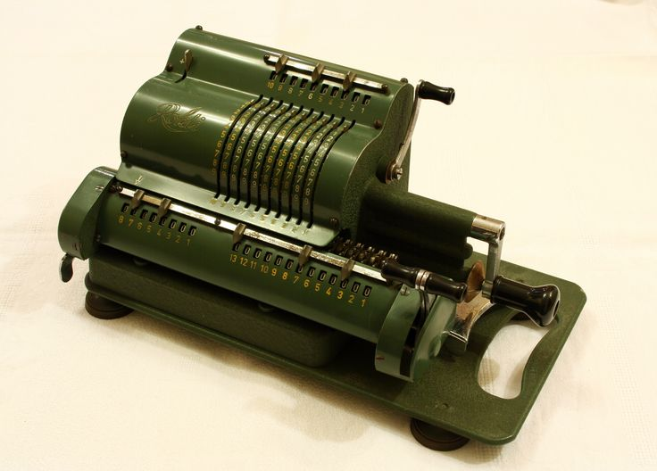 Rokli Mechanical Calculator Front/Right