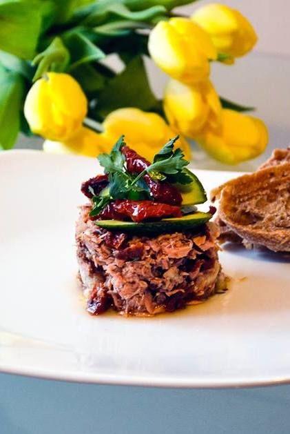 http://sokzycia.pl/salatka-z-tunczyka/ #tuna #tuńczyk #sałatka #salad #fish #ryba #pomidory #pomatoes #avocado #awokado #food