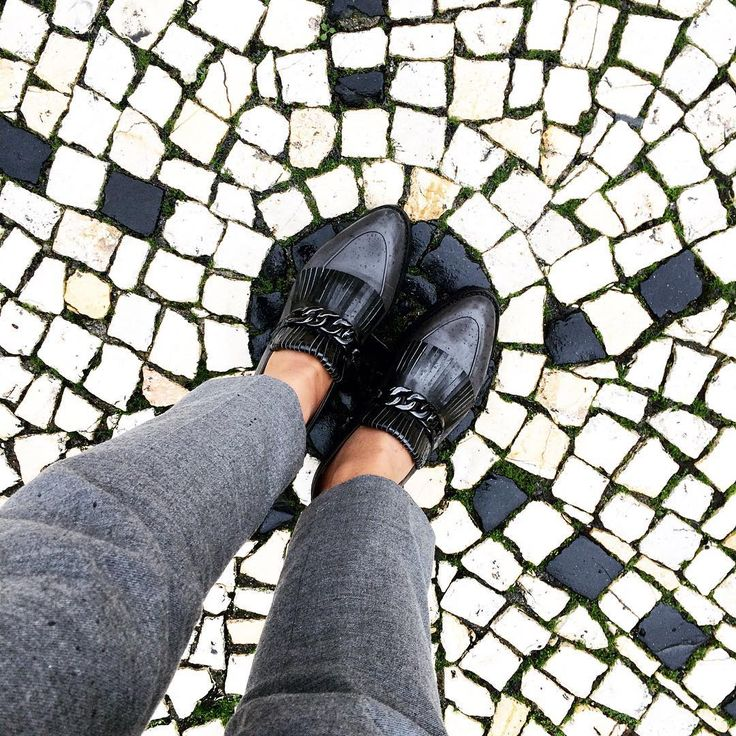 Put yourself in the spotlight in #Zurbano the Swing loafers!  Shop now at: www.zurbano.pl  #ZurbanoShoes #shoes #loafers #leather #grey #luxury #polish #polishbrand #fashion #elegant #Porto #city #Portugal #street #streetphotography #instashoes