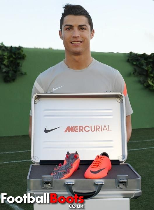 I love my cleats. They're so pretty. Even Ronaldo thinks so.<3
