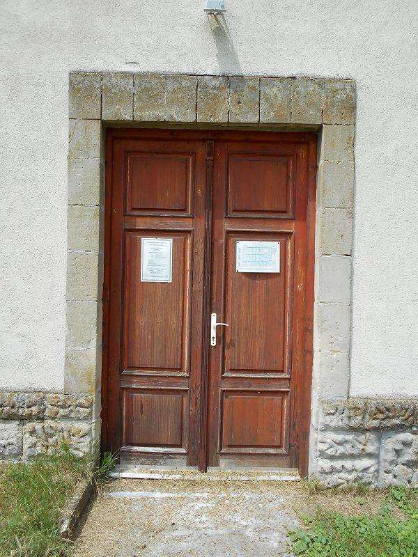 Magyarok Nagyasszonya kápolna (Csabdi közelében 2.9 km) http://www.turabazis.hu/latnivalok_ismerteto_1012 #latnivalo #csabdi #turabazis #hungary #magyarorszag #travel #tura #turista #kirandulas
