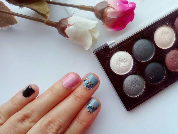 #nailsoftheday  Το μανικιούρ αυτής της εβδομάδας είναι λίγο μελαγχολικό λίγο χαριτωμένο αλλά μ' αρέσει πολύ! . . . #diaryofabeautyaddict #myeditlook #elbeautythings #notd #nailart #nailblogger #nailstagram #nailsbyme #nailsdesign #nbloggers #greekblogger #greekbloggers #bbloggersgr #bbloggers #beautyblogger #fbloggers #lbloggers #nailslove #naillife #naillover #nailsaddict #naildesigns #nails2inspire #nailpromote #instanails #autumnnails #nails #fallnails
