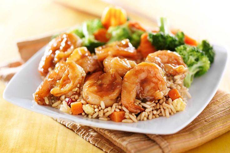 Die Teriyaki-Sauce, zählt derzeit zu meinen liebsten asiatischen Gartechniken. Hier geht es um den glanzvollen gemeinsamen Auftritt von Garnelen und dem bekannten Gemüsetrio Broccoli, Paprika und Zucchini. Dazu gibt es Reis.