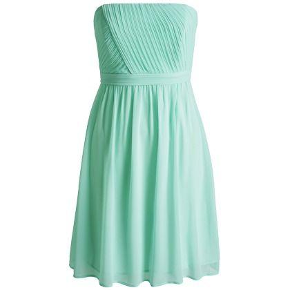 Jouw schouders zijn een van jouw sterkste punten. benadruk ze nog eens echte in deze frisse bustier jurk!