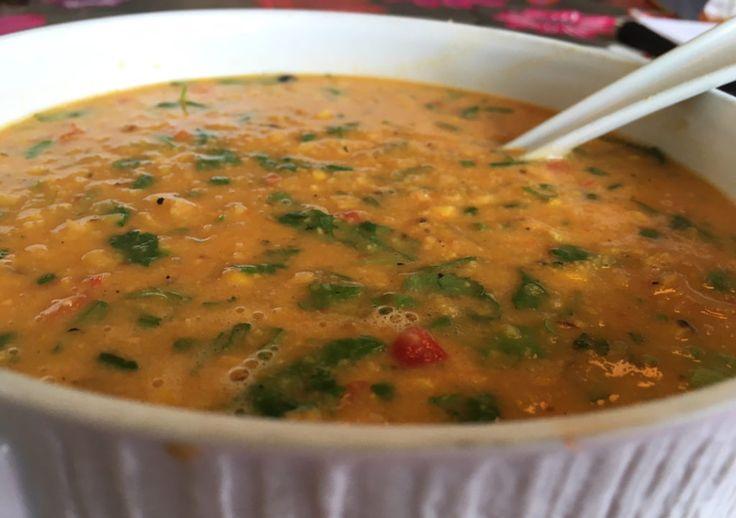 Mais og koriander-suppe