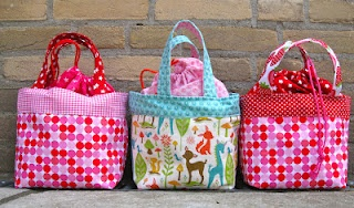 Lunchbag (uitleg op http://ayumills.blogspot.nl/2010/08/tutorial-lunch-bag.html)