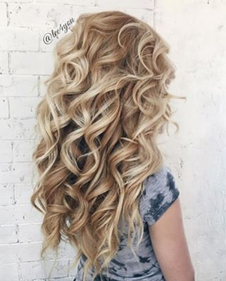 Life isn't perfect, but your hair can be . Achieve these beauty queen inspired curls with our 25mm Magic Wand✨ ! : @lee4you #curls #blondehair #WOW: