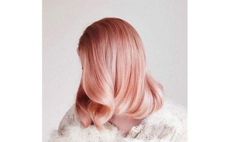 светлые розовые волосы