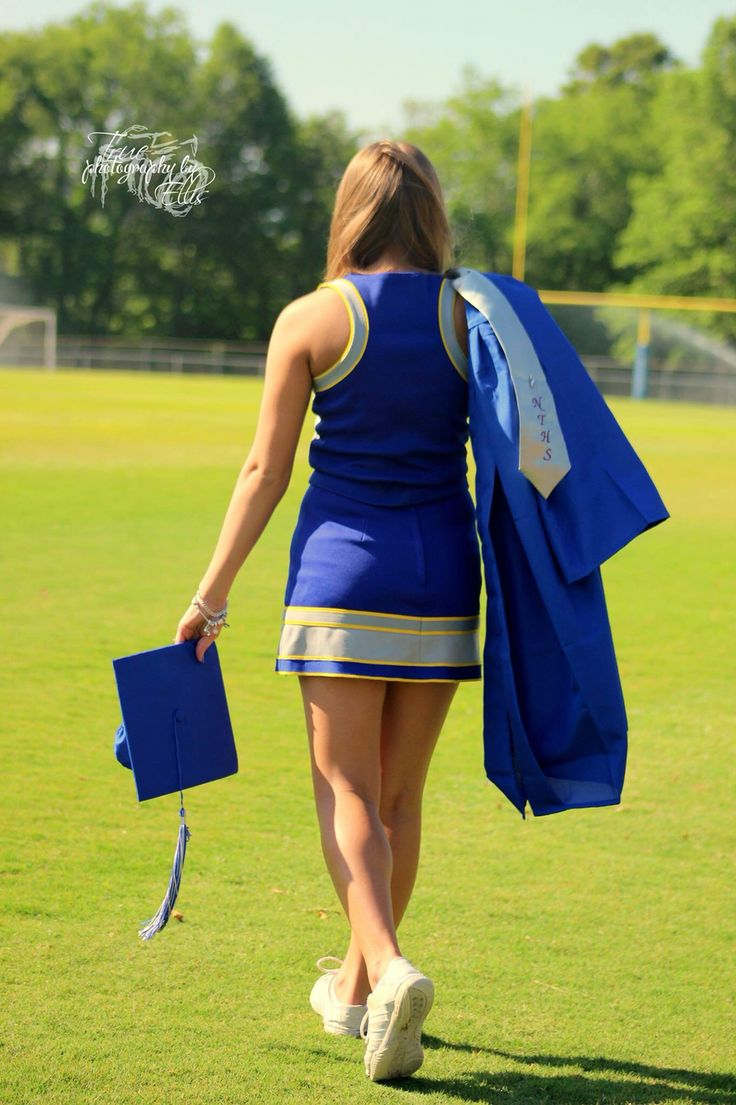 Cute, girly, and unique cheerleading senior picture!