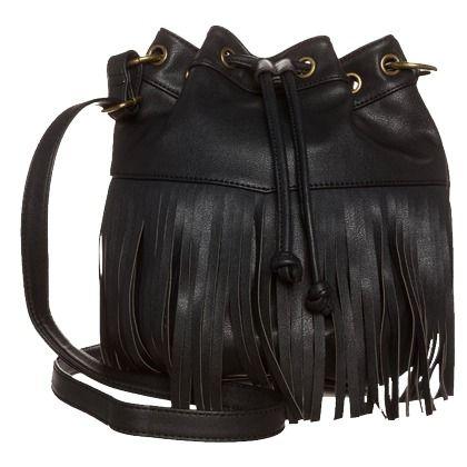 Umhängetasche mit Fransen - Stylische schwarze Umhängetasche von Even&Odd. Diese Tasche ist beides - modisch und praktisch zugleeich. Kann man seine Utensilien besser transportieren? <3 ab 26,95€