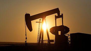 Tensión entre Qatar y países árabes hace caer el precio del petróleo en los mercados