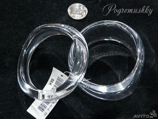 Пара браслетов из прозрачного люцита