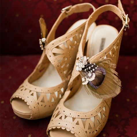 Love these vintage nude bridal shoes with a bit of feather flair