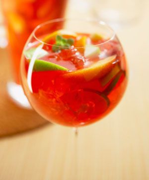 Basil White Wine Sangria http://food.mamiverse.com/basil-white-wine-sangria-3415/Happy Hour, Cocktails Hour, Alcohol Drinks, Food, Limoncello Sangria, Cabernet Sauvignon, White Wine, Red Wines, Rometti Limoncello