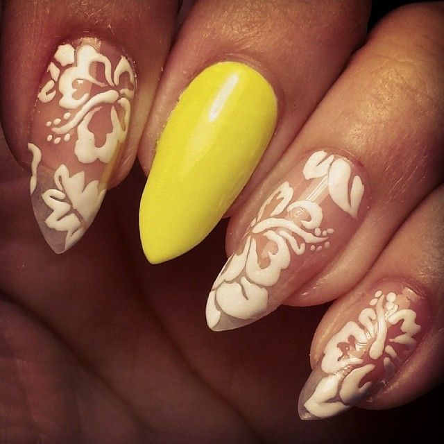 17 best ideas about tropical flower nails on pinterest fun nail designs pretty nails and. Black Bedroom Furniture Sets. Home Design Ideas