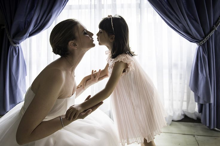 Photo by Claudia Cala of August 08 on Worldwide Wedding Photographers Community #wedding #weddingphotographer #mywed #WorldwideWeddingPhotographers #kiss #children #bride