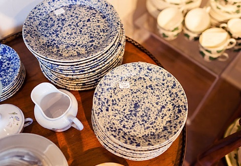 "Naturally, Jeffrey Marks had a hard time parting with a few of the finds he discovered for One Kings Lane. ""I actually kept half of the splattered dinner plates for myself. I would have kept them all, but I didn't think I needed 24 dinner plates. But now I regret giving them up and may have to buy them from the sale!""  #jeffreyalanmarks #JAM #Themeaningofhome"