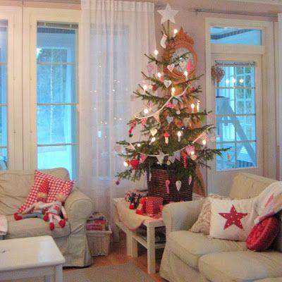 Touhua  ja töminää: joulupuuhailu