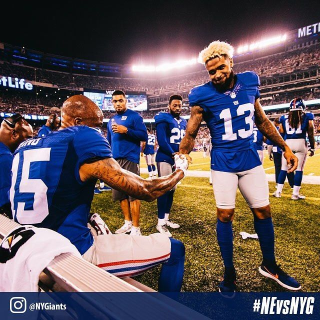 @iam_objxiii shows Tavarres King some love after his 59 yard touchdown! #NEvsNYG 📸 cred: @danszpakowski