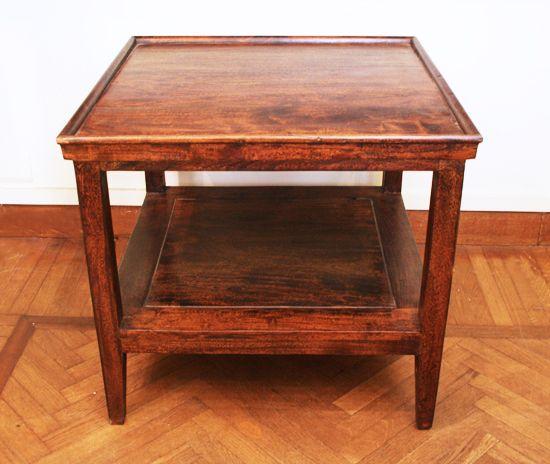 Tavolo legno due ripiani. Cm.60x60 H.55. http://www.pisanogenova.it/catalogo/112-tavolo-legno-due-ripiani