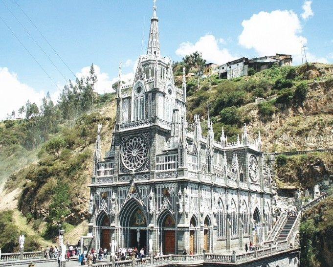 """IPIALES   """"Santuario se viste de fiesta"""". Comienzó en el Santuario de Las Lajas el plan de contingencia por la celebración del quincenario de la Virgen. (31 AGO 2016)"""