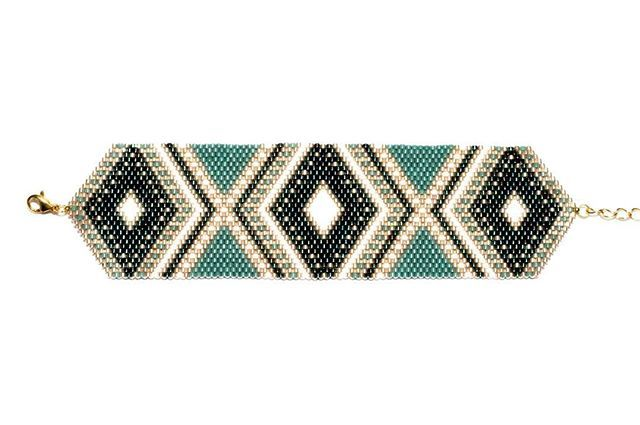 Back in stock! La manchette SIXTINE bleue et dorée est de nouveau disponible sur le shop! Vous pouvez retrouver le lien dans ma bio. Bonne journée  #artisticB #bijoux #madeinfrance #jewelry #bracelet #manchette #blue #bleu #or #gold #white #blanc #fashion #jeweloftheday #createur