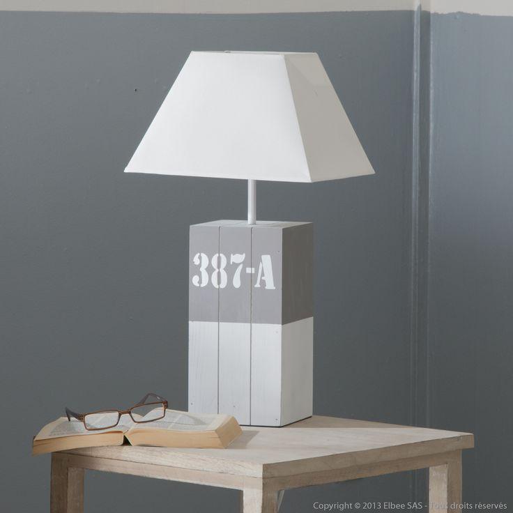 Lampe poser en bois avec abat jour en lin blanc hauteur for Lampe bord de mer