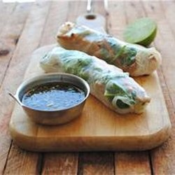 Garlic chicken spring rolls | Good Eats | Pinterest