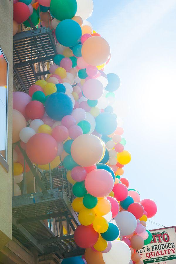 Geronimo Balloons + Oh Happy Day Balloon Installation!