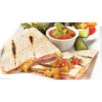 Quésadillas au salami de Gênes et au jambon blanc | #Recettes IGA | Sandwich, Fromage, Recette rapide