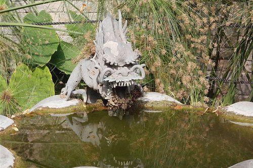 Giardini Botanici Hanbury - fontana del drago