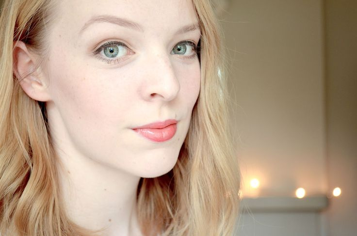 LOVELY ROSE PETAL: Gold & Sparkly Christmas Make up with the Za Pure ...