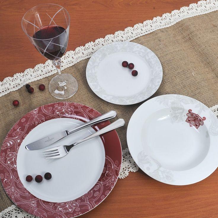Διαχρονικό και κομψό υψηλής ποιότητας και αισθητικής, ιδανικό για κάθε τραπέζι. Σε μπορντώ και γκρι που κομποζάρει για να γίνει ακόμα πιο εκλεπτυσμένο και γοητευτικό. Το σετ αποτελείται από 6 ρηχά πιάτα, 6 βαθιά, 6 φρούτου, 1 πιατέλα και 1 σαλατιέρα. Όλα πλένονται στο πλυντήριο πιάτων.