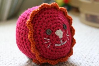 Crochet Lion made from Lion Brand Yarn, Extra LargeLion Brand Yarn