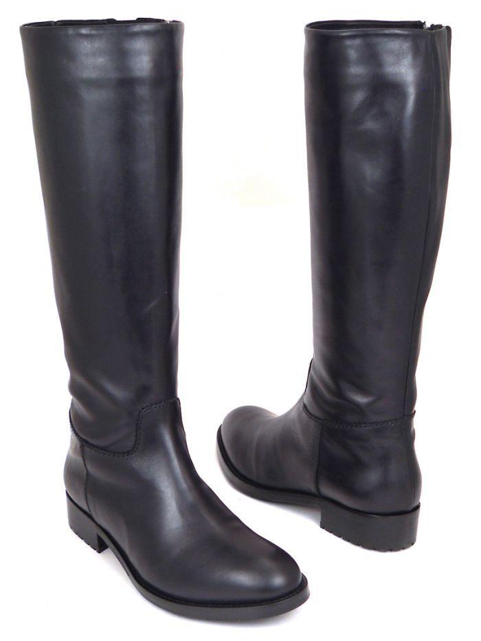 mally Зимние кожаные сапоги черного цвета Mally