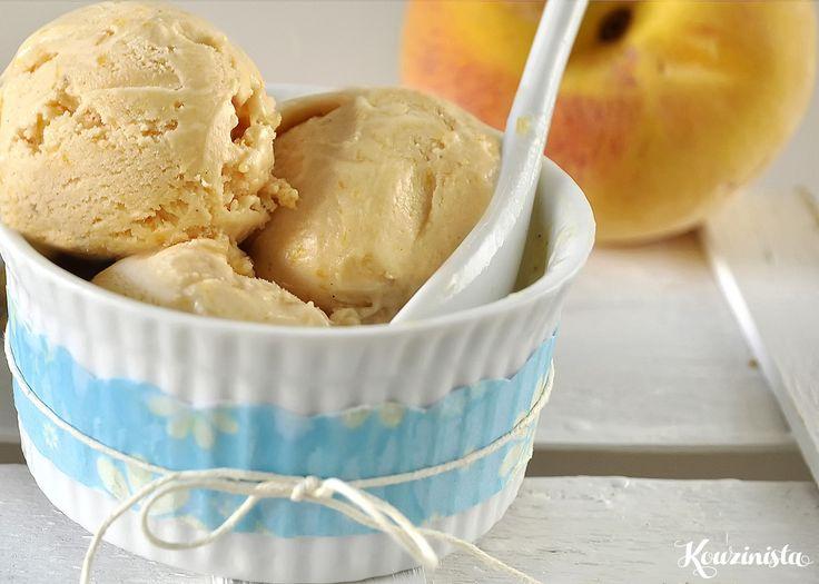 Παγωτό γιαούρτι με καραμελωμένα ροδάκινα / Caramelized Peach Frozen Yogurt