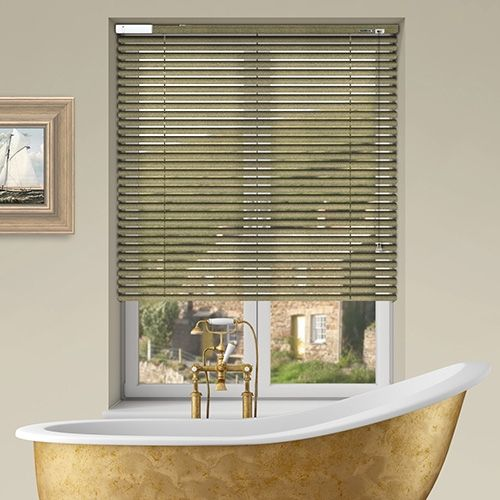 Controliss 6V DC battery Powered Soho Gold Sparkle Venetian Blind.  #Home #HomeDecor #InteriorDesign #Decor #VenetianBlinds  #CreateYourHome #BudgetBlinds #WindowShades #Window  #Design #Blind #WindowCoverings #Windows #MadeinUK