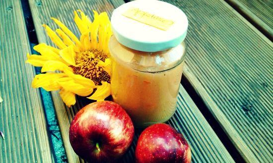Apfelmus ohne Zucker selber zu machen ist so einfach! In diesem Rezept zeige ich Dir in 3 einfachen Schritten, wie du es selbst einkochen kannst.