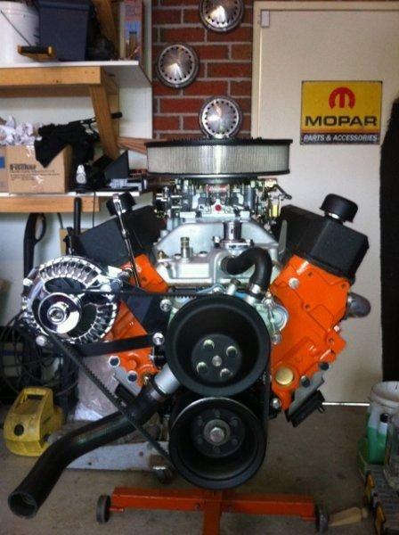 Muscle Car Engine Shootout Small Block Mopar Photo 16