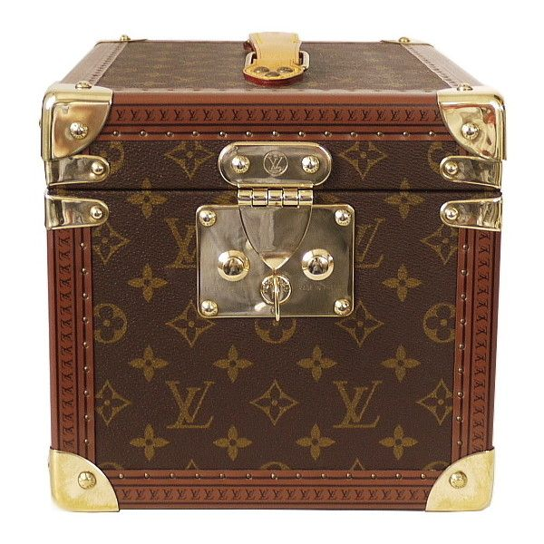 Pre-Owned Louis Vuitton Boite Flacons Beauty Trunk Train Case M21828 (£2,155) ❤ liked on Polyvore featuring home, home decor, small item storage, brown, louis vuitton trunk, square trunk and louis vuitton