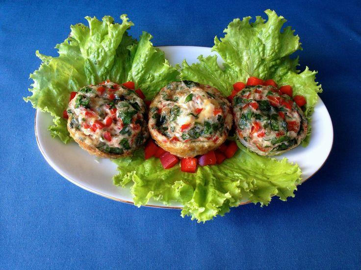 Southwestern Egg Cups #breakfasttogo #eggs #muffins