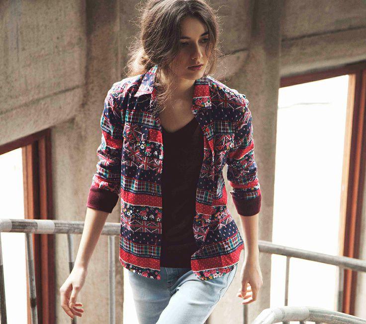 T-Shirt Knit Belle IDR 369.500 Shirt Ally Artisan IDR 369.500 Pants Denim Skinny (light indigo) IDR 419.500