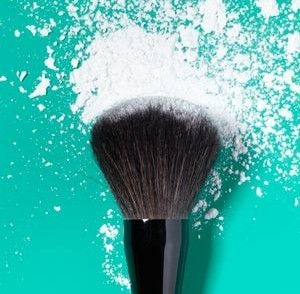 Makeup can last all day by using cornstarch as makeup protector. mix it with a bit of foundation and your face stays dry and non greasy all day. Praise God for this pin | The Beauty Thesis