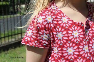 geteilt-durch-Kleid Schnittmuster von www.erbsenprinzessin.com genäht von missinghamburg