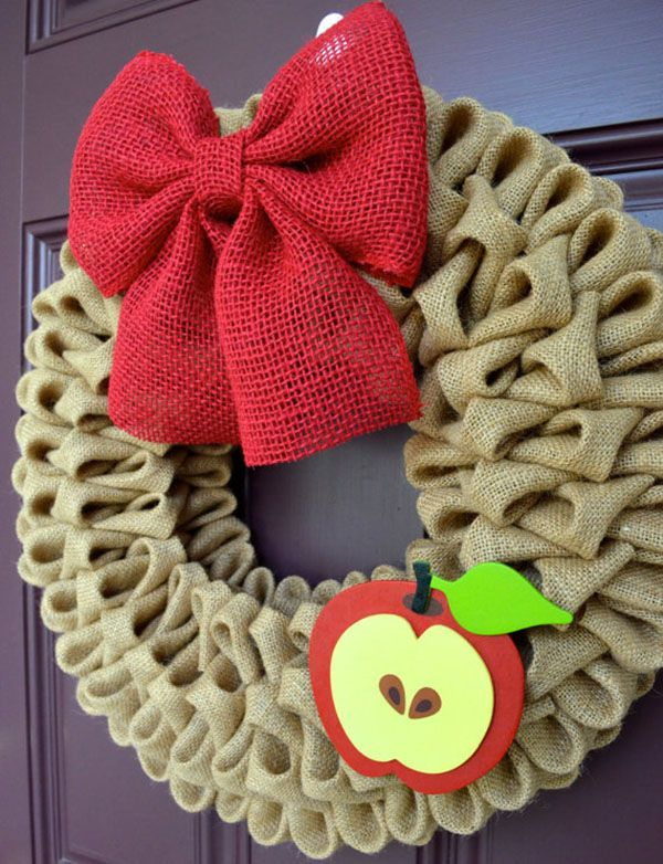 Back To School Wreaths {We Love!} - B. Lovely Events