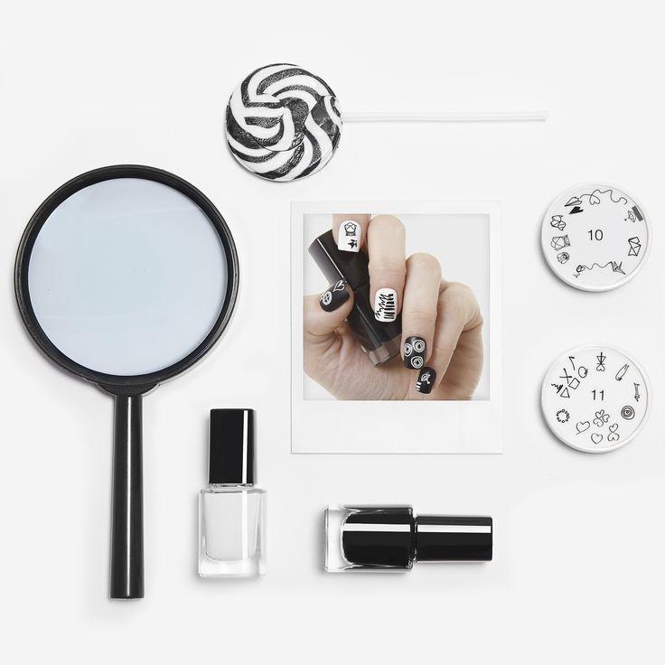 Black and White... My favourite combination  #apharsec #art #blackandwhite #nails #nailart #nailpolish #fashion #polaroid #studio