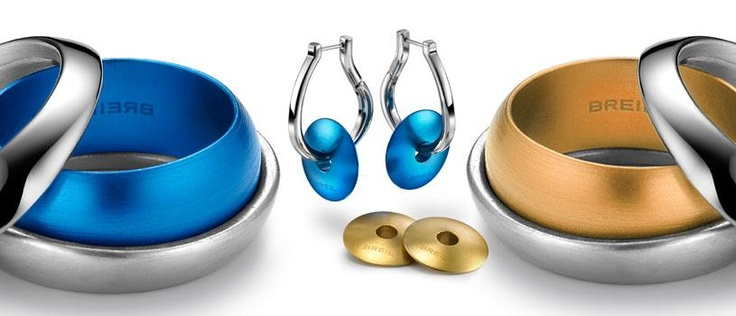 Mix a warm and cold colors! Blue  - Secretly bracelets and earrings.